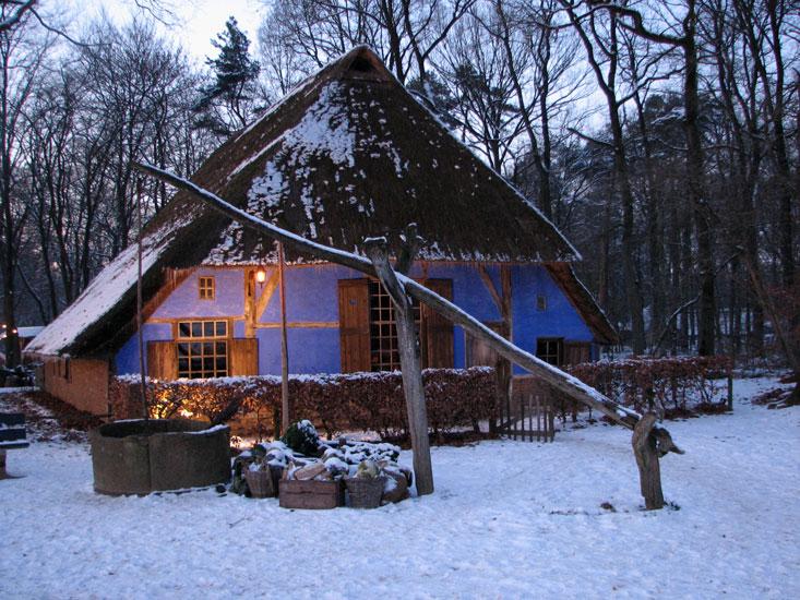 Openluchtmuseum_blauwe_huis_winter